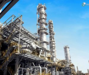 As novas refinarias no futuro: quatro vezes mais petroquímicos produzidos.
